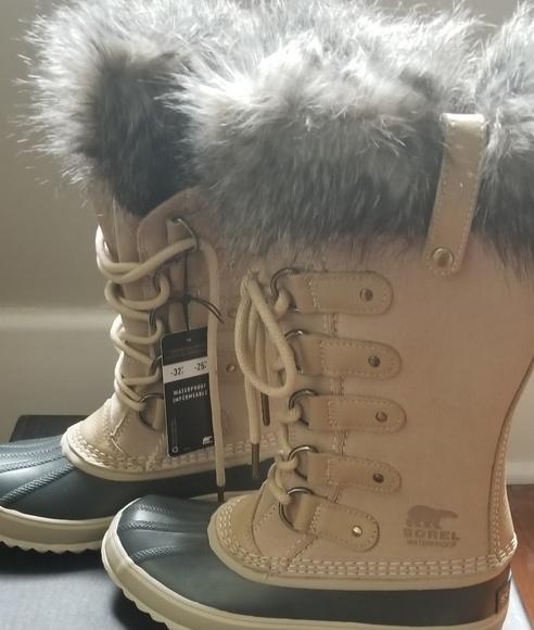 63bca0c2e99 Sorel Joan of Arctic Oatmeal Boots Sz 6. M 5bc21971a5d7c6b90bc4edc6